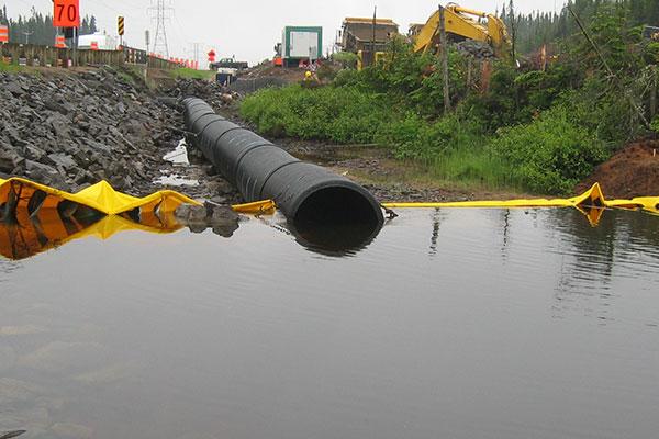 ataguías y canalización del río