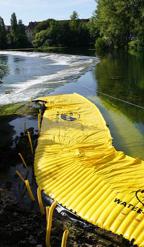 Ataguías flexibles Water-Gate© instalados en el gran umbral del Doubs en Dole du Jura.